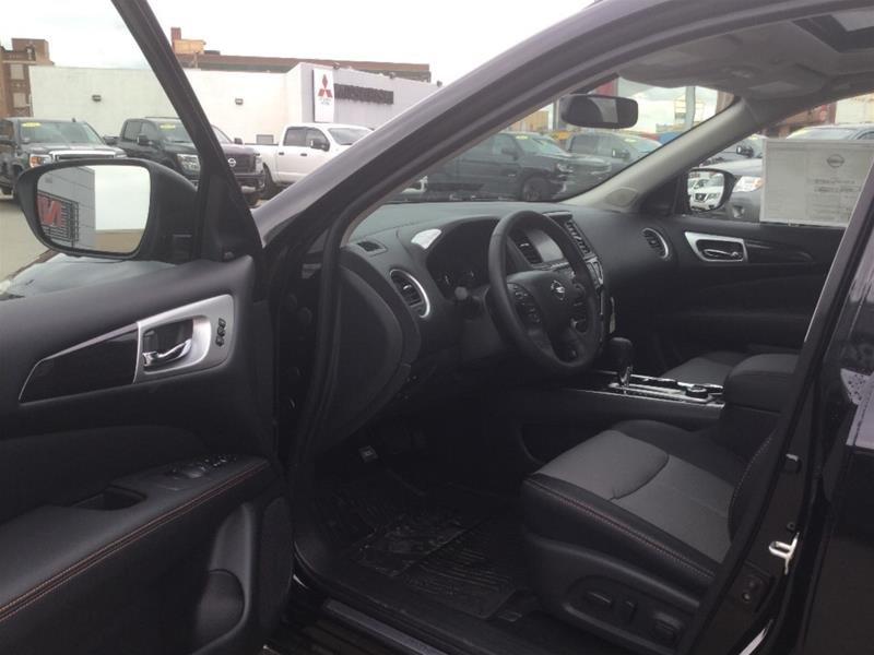 2019 Nissan Pathfinder SL Premium V6 4x4 at in Regina, Saskatchewan - 4 - w1024h768px
