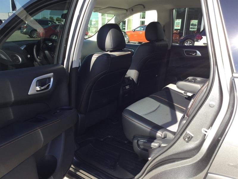 2019 Nissan Pathfinder SV Tech V6 4x4 at in Regina, Saskatchewan - 6 - w1024h768px