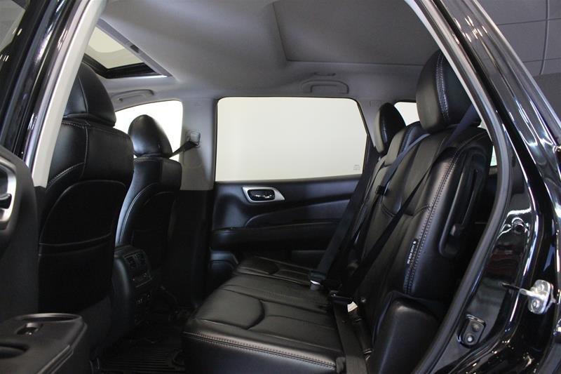 2019 Nissan Pathfinder SL Premium V6 4x4 at in Regina, Saskatchewan - 12 - w1024h768px