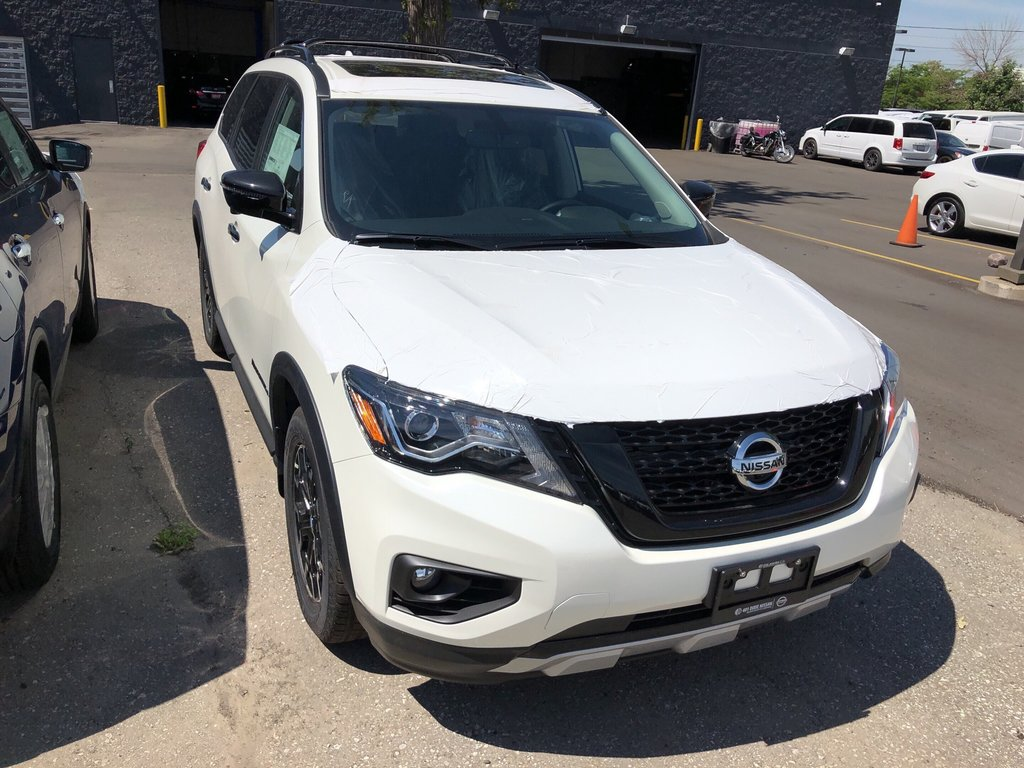 2019 Nissan Pathfinder SL Premium V6 4x4 at in Mississauga, Ontario - 4 - w1024h768px