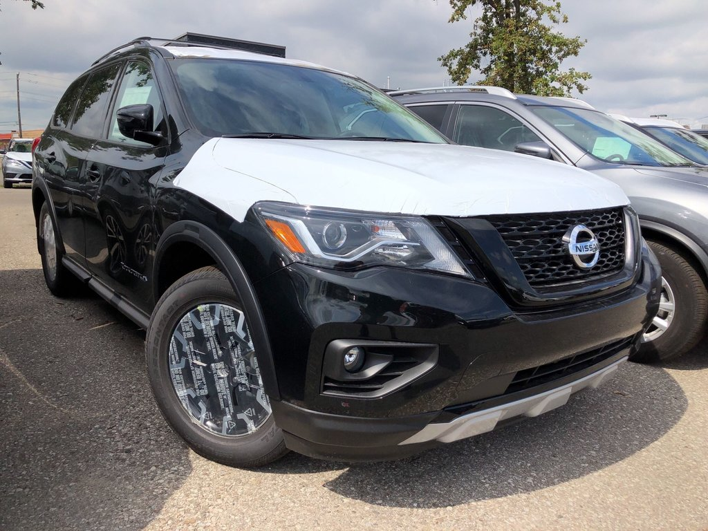 2019 Nissan Pathfinder SV Tech V6 4x4 at in Mississauga, Ontario - 2 - w1024h768px