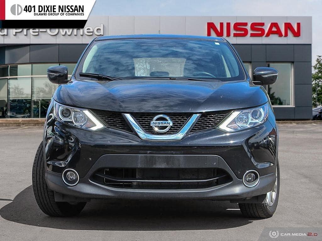 2017 Nissan Qashqai SV AWD CVT in Mississauga, Ontario - 2 - w1024h768px
