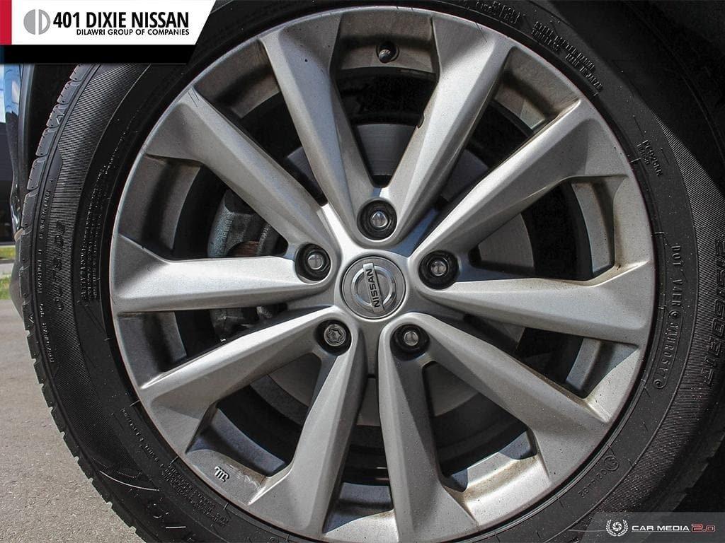 2017 Nissan Qashqai SV AWD CVT in Mississauga, Ontario - 5 - w1024h768px