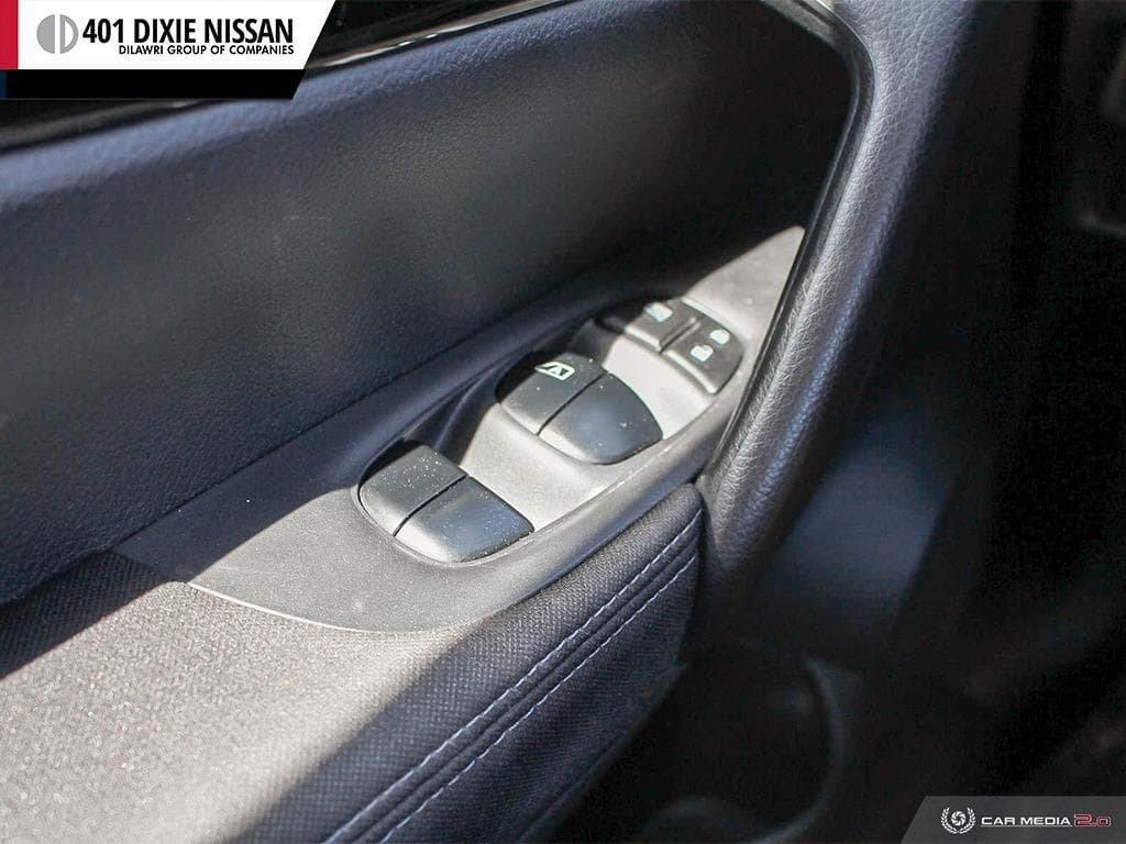 2017 Nissan Qashqai SV AWD CVT in Mississauga, Ontario - 16 - w1024h768px