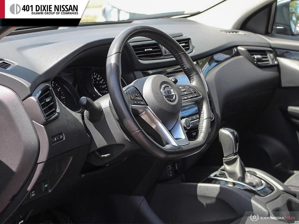 2017 Nissan Qashqai SV AWD CVT in Mississauga, Ontario - 12 - w1024h768px