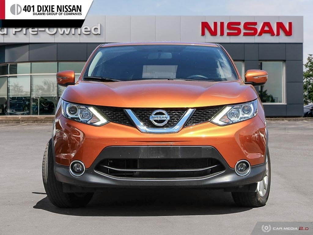 2017 Nissan Qashqai SV FWD CVT in Mississauga, Ontario - 2 - w1024h768px