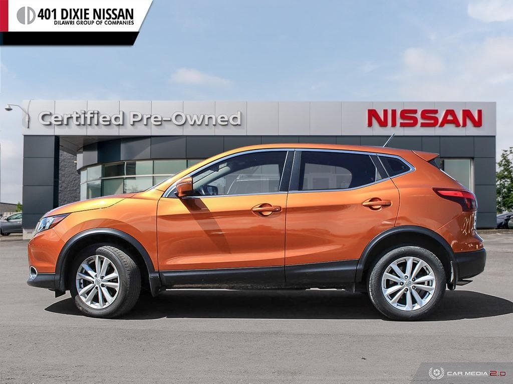 2017 Nissan Qashqai SV FWD CVT in Mississauga, Ontario - 3 - w1024h768px