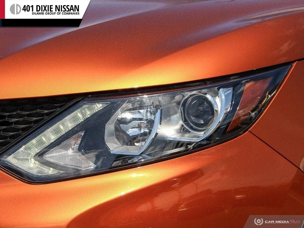 2017 Nissan Qashqai SV FWD CVT in Mississauga, Ontario - 10 - w1024h768px