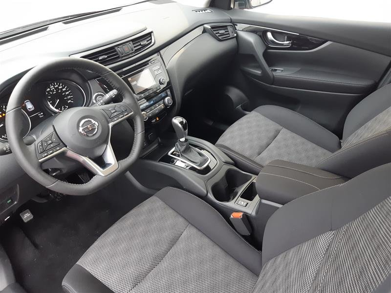 2018 Nissan Qashqai SV FWD CVT (2) in Vancouver, British Columbia - 6 - w1024h768px