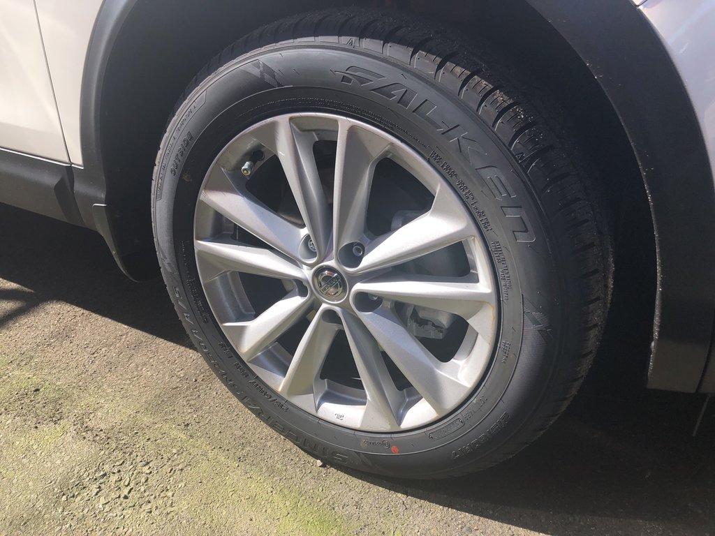 2018 Nissan Qashqai SV AWD CVT (2) in Vancouver, British Columbia - 3 - w1024h768px