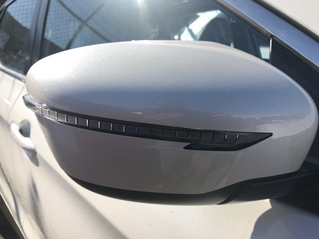 2018 Nissan Qashqai SV AWD CVT (2) in Vancouver, British Columbia - 4 - w1024h768px