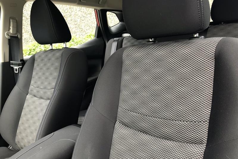 2019 Nissan Qashqai SV AWD CVT in North Vancouver, British Columbia - 2 - w1024h768px