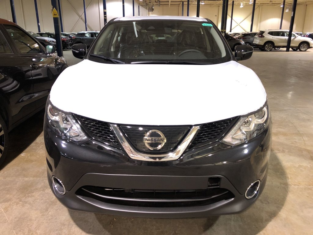 2019 Nissan Qashqai SV FWD CVT in Mississauga, Ontario - 2 - w1024h768px