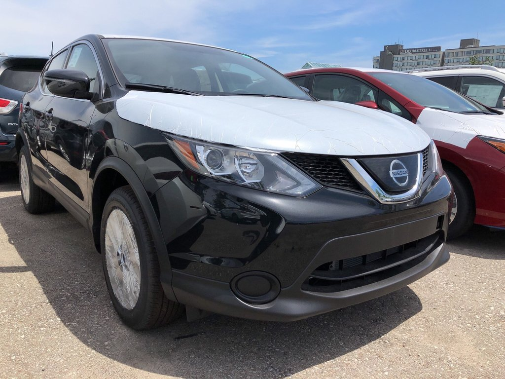 2019 Nissan Qashqai S AWD CVT in Mississauga, Ontario - 2 - w1024h768px