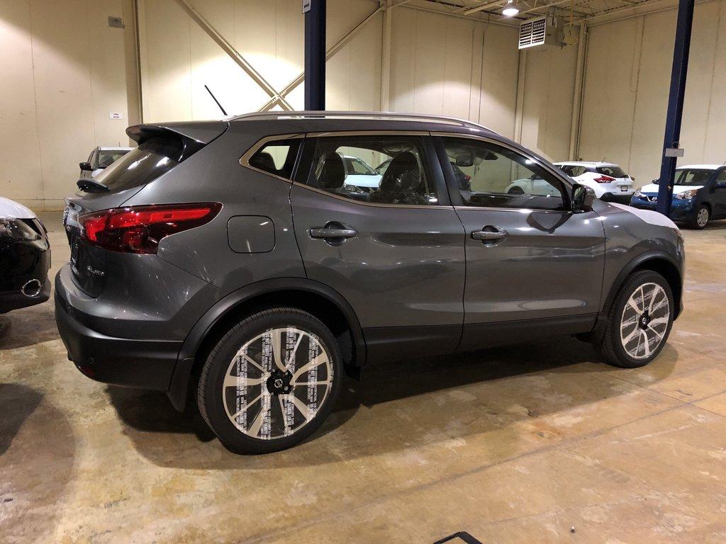 2019 Nissan Qashqai SL AWD CVT in Mississauga, Ontario - 4 - w1024h768px