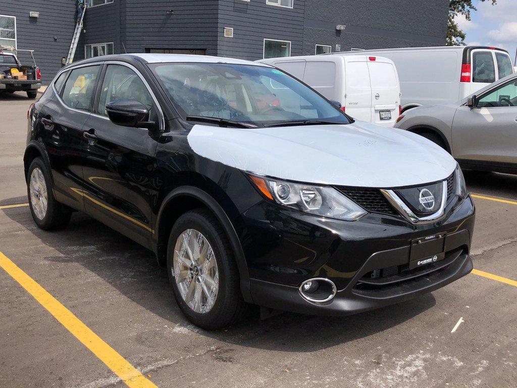 2019 Nissan Qashqai SV AWD CVT in Mississauga, Ontario - 3 - w1024h768px