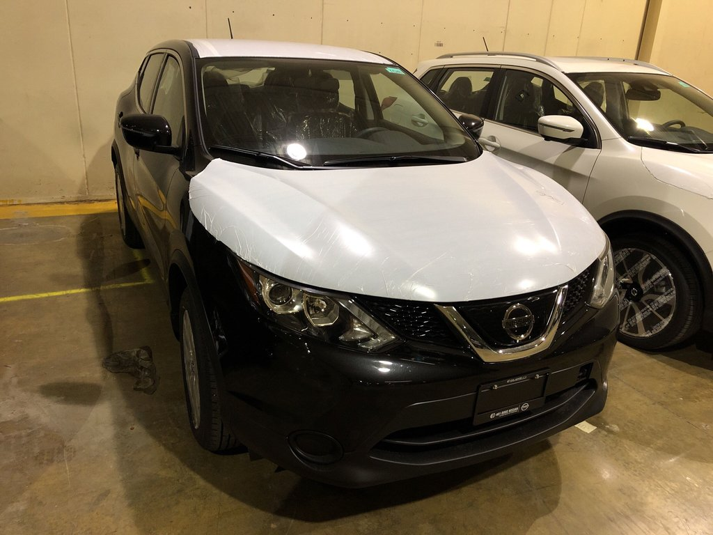 2019 Nissan Qashqai S FWD CVT in Mississauga, Ontario - 4 - w1024h768px