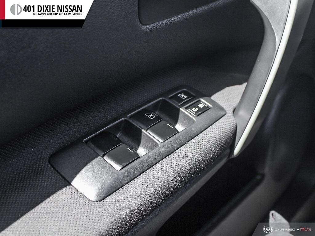 2013 Nissan Rogue S FWD CVT in Mississauga, Ontario - 10 - w1024h768px