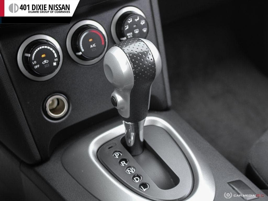 2013 Nissan Rogue S FWD CVT in Mississauga, Ontario - 12 - w1024h768px