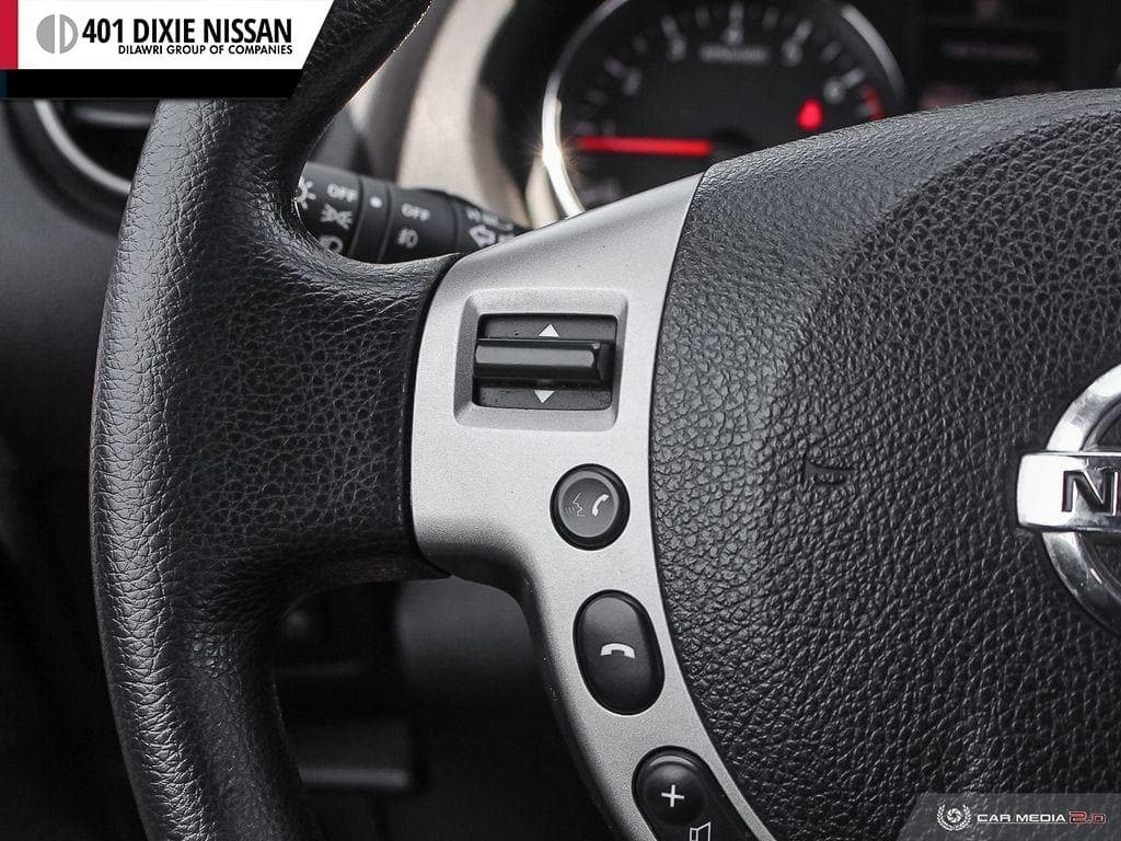 2013 Nissan Rogue S FWD CVT in Mississauga, Ontario - 11 - w1024h768px