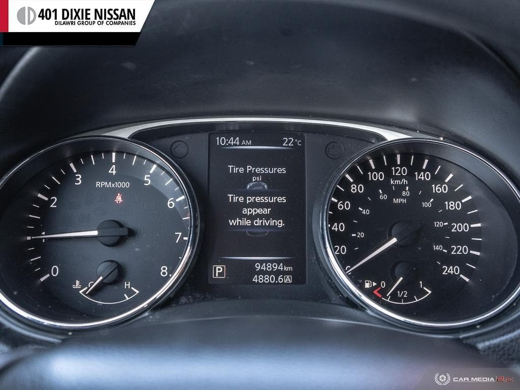 2014 Nissan Rogue S FWD CVT in Mississauga, Ontario - 15 - w1024h768px