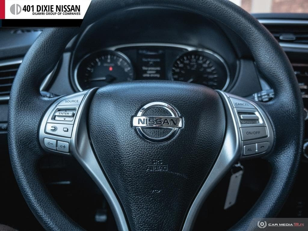 2014 Nissan Rogue S FWD CVT in Mississauga, Ontario - 14 - w1024h768px