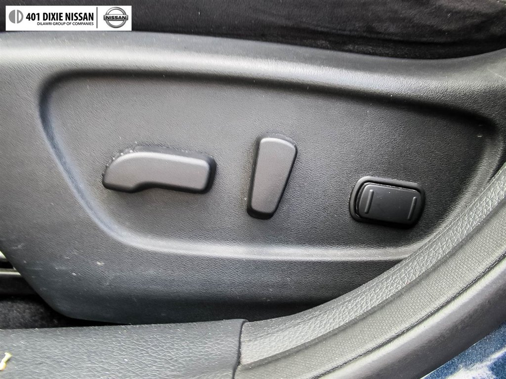 2015 Nissan Rogue SV AWD CVT in Mississauga, Ontario - 24 - w1024h768px