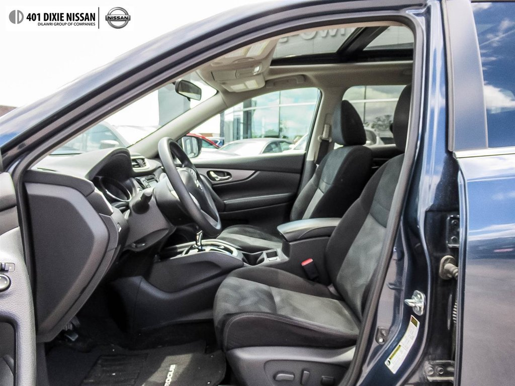 2015 Nissan Rogue SV AWD CVT in Mississauga, Ontario - 10 - w1024h768px