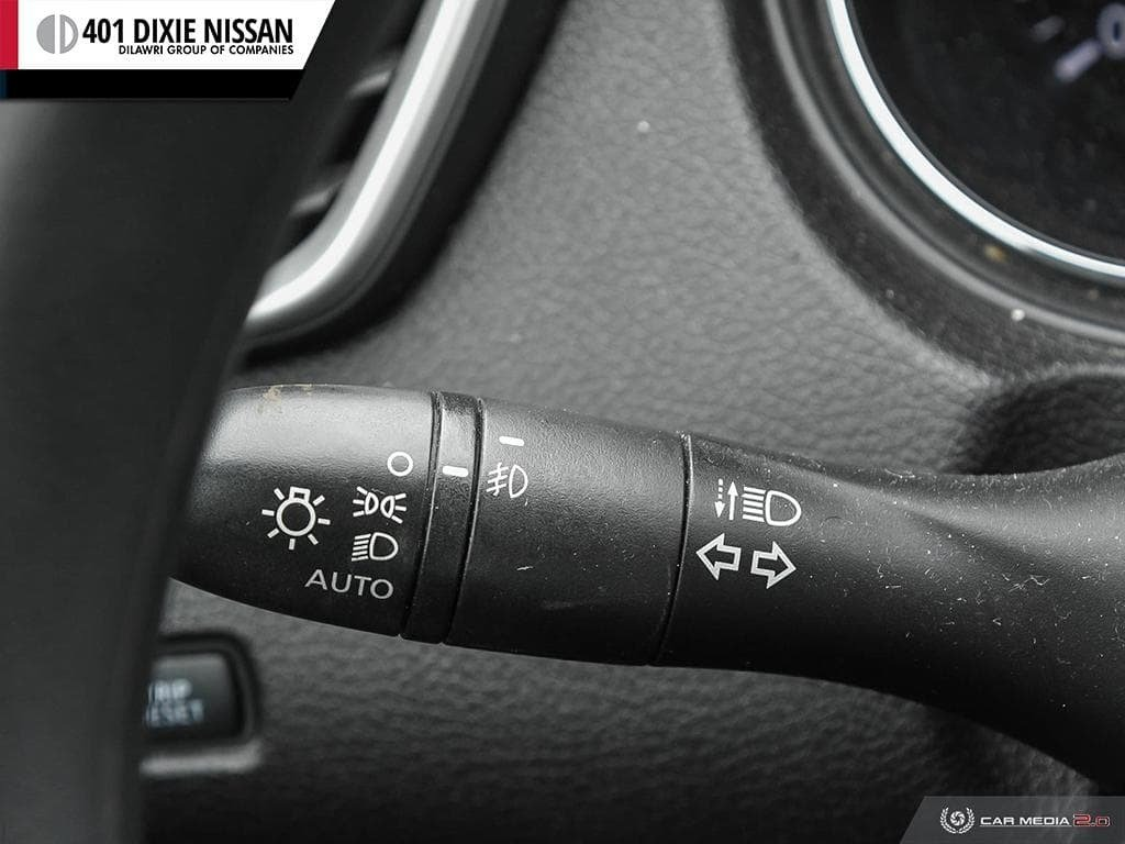 2015 Nissan Rogue SV AWD CVT in Mississauga, Ontario - 16 - w1024h768px