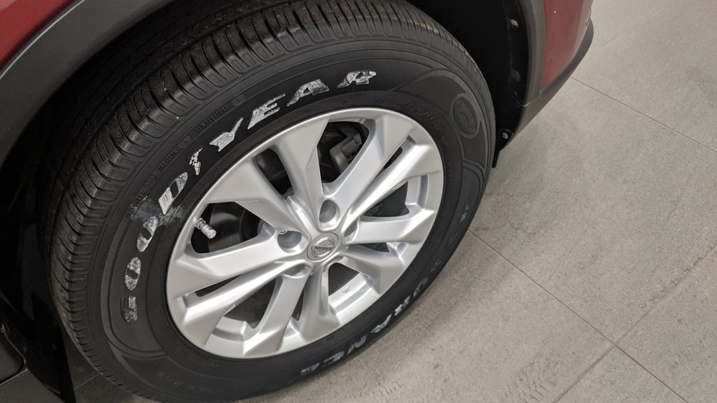 2015 Nissan Rogue SV AWD CVT in Regina, Saskatchewan - 18 - w1024h768px