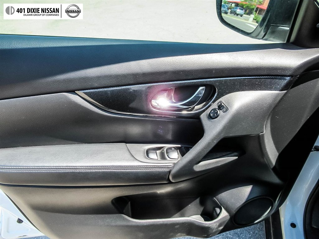 2016 Nissan Rogue SL AWD Premium CVT in Mississauga, Ontario - 35 - w1024h768px