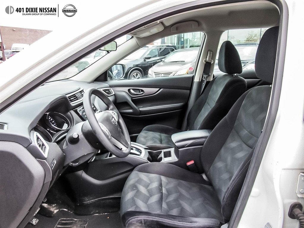 2016 Nissan Rogue S FWD CVT in Mississauga, Ontario - 8 - w1024h768px