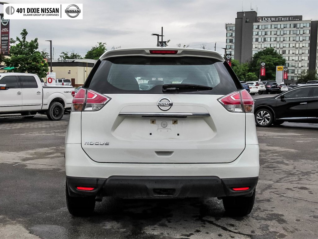 2016 Nissan Rogue S FWD CVT in Mississauga, Ontario - 14 - w1024h768px