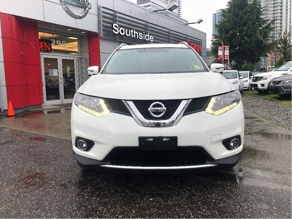 2016 Nissan Rogue SV AWD CVT in Vancouver, British Columbia - 2 - w1024h768px