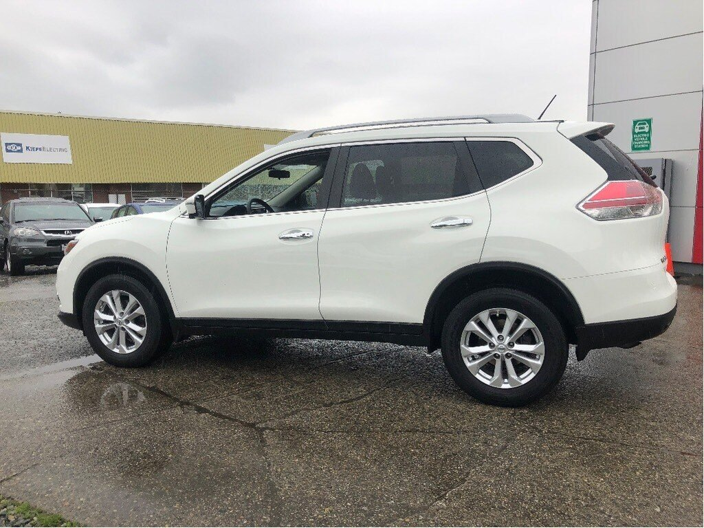2016 Nissan Rogue SV AWD CVT in Vancouver, British Columbia - 31 - w1024h768px