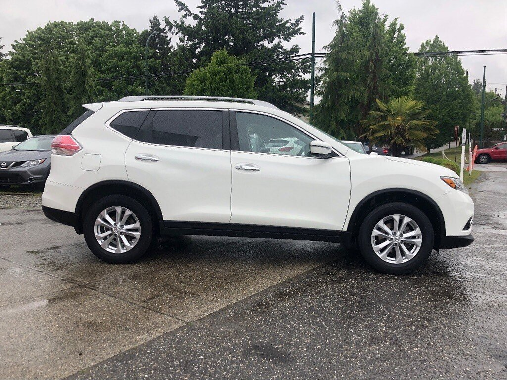 2016 Nissan Rogue SV AWD CVT in Vancouver, British Columbia - 4 - w1024h768px