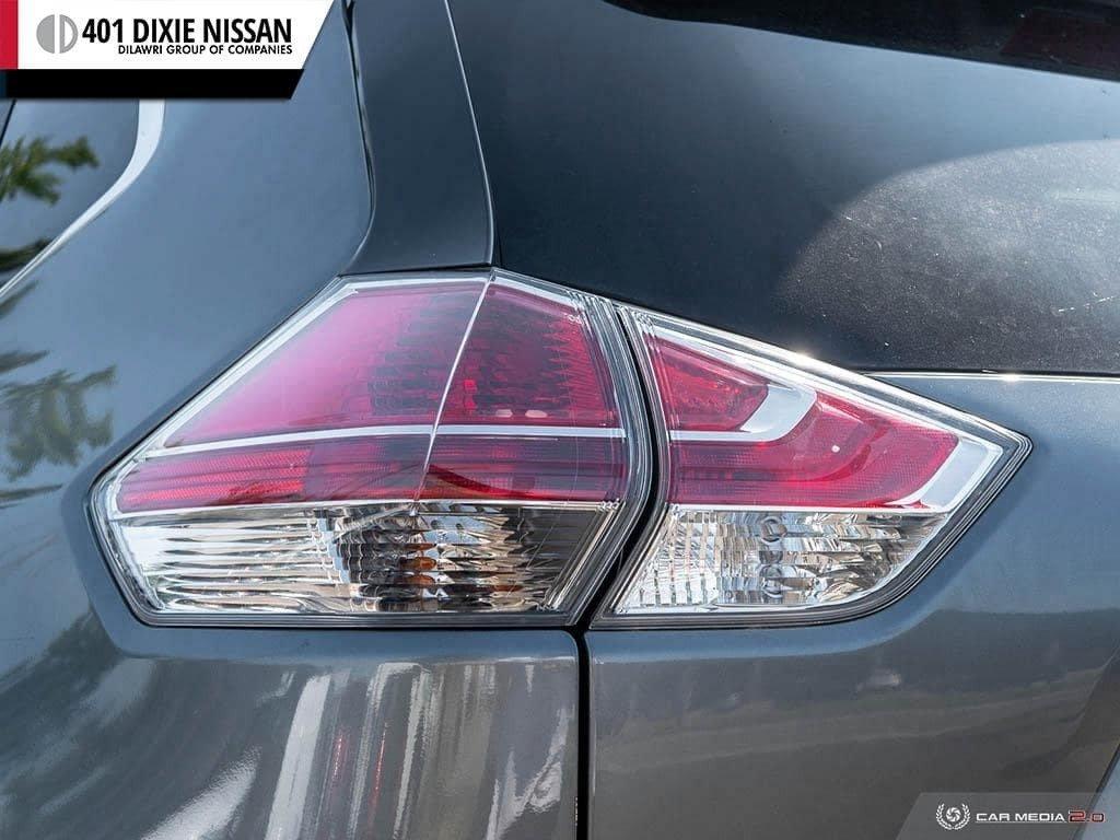 2016 Nissan Rogue SL AWD Premium CVT in Mississauga, Ontario - 12 - w1024h768px