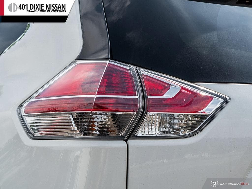 2016 Nissan Rogue SV AWD CVT in Mississauga, Ontario - 11 - w1024h768px