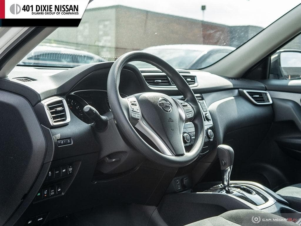 2016 Nissan Rogue SV AWD CVT in Mississauga, Ontario - 12 - w1024h768px