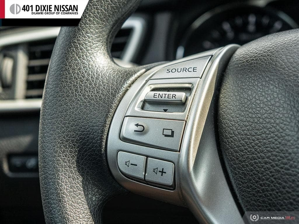 2016 Nissan Rogue SV AWD CVT in Mississauga, Ontario - 17 - w1024h768px