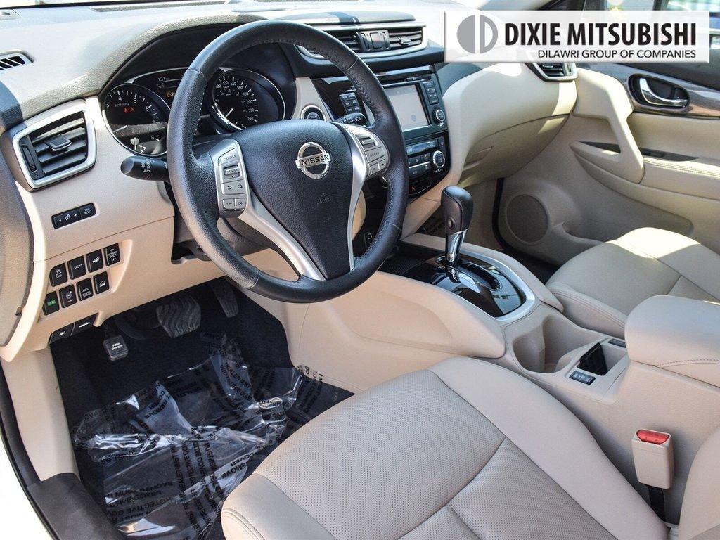 2016 Nissan Rogue SL AWD Premium CVT in Mississauga, Ontario - 11 - w1024h768px
