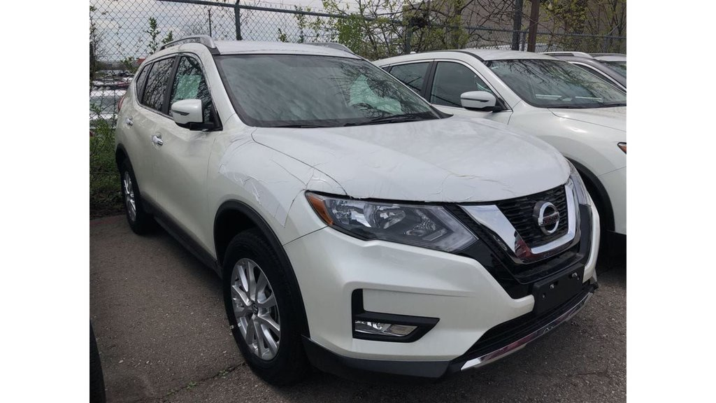 2017 Nissan Rogue SV AWD CVT in Mississauga, Ontario - 2 - w1024h768px