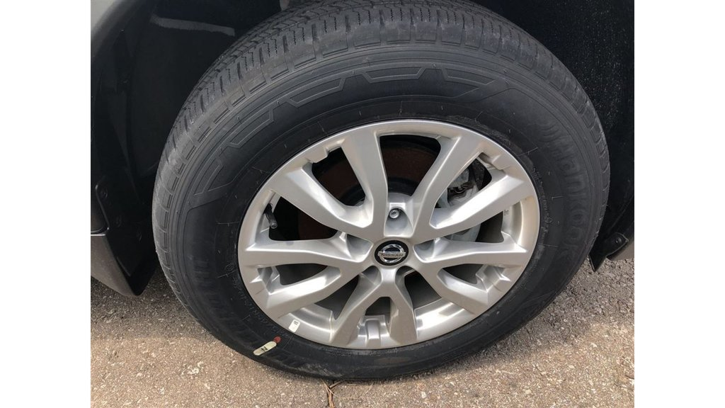 2017 Nissan Rogue SV AWD CVT in Mississauga, Ontario - 5 - w1024h768px