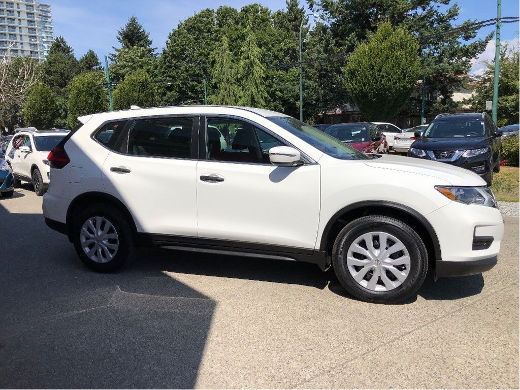 2017 Nissan Rogue S FWD CVT in Vancouver, British Columbia - 26 - w1024h768px