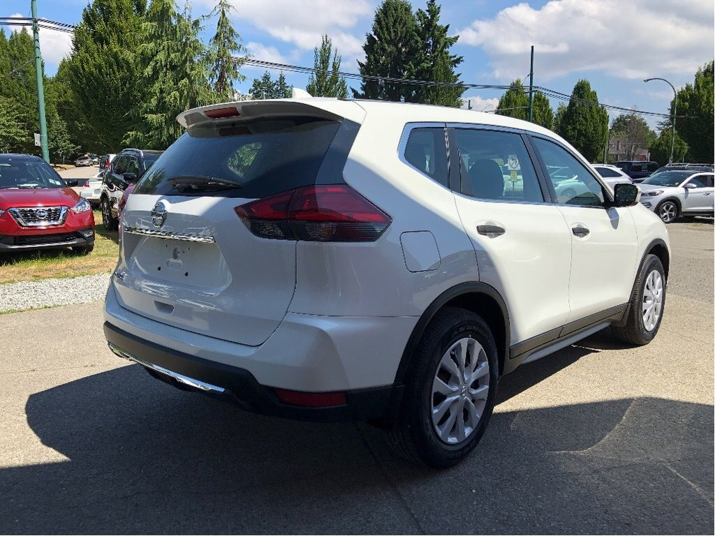 2017 Nissan Rogue S FWD CVT in Vancouver, British Columbia - 27 - w1024h768px