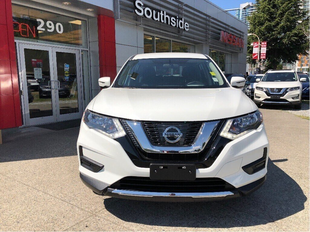 2017 Nissan Rogue S FWD CVT in Vancouver, British Columbia - 2 - w1024h768px