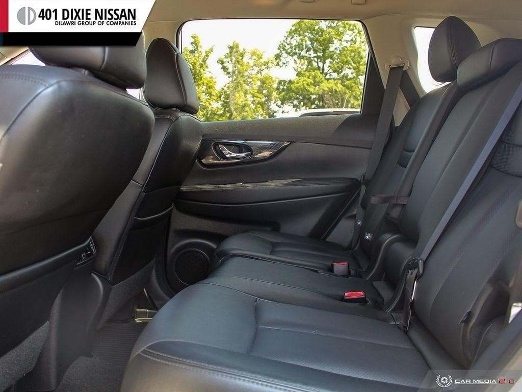 2017 Nissan Rogue SL Platinum AWD in Mississauga, Ontario - 23 - w1024h768px