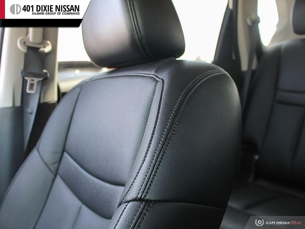 2017 Nissan Rogue SL Platinum AWD in Mississauga, Ontario - 22 - w1024h768px
