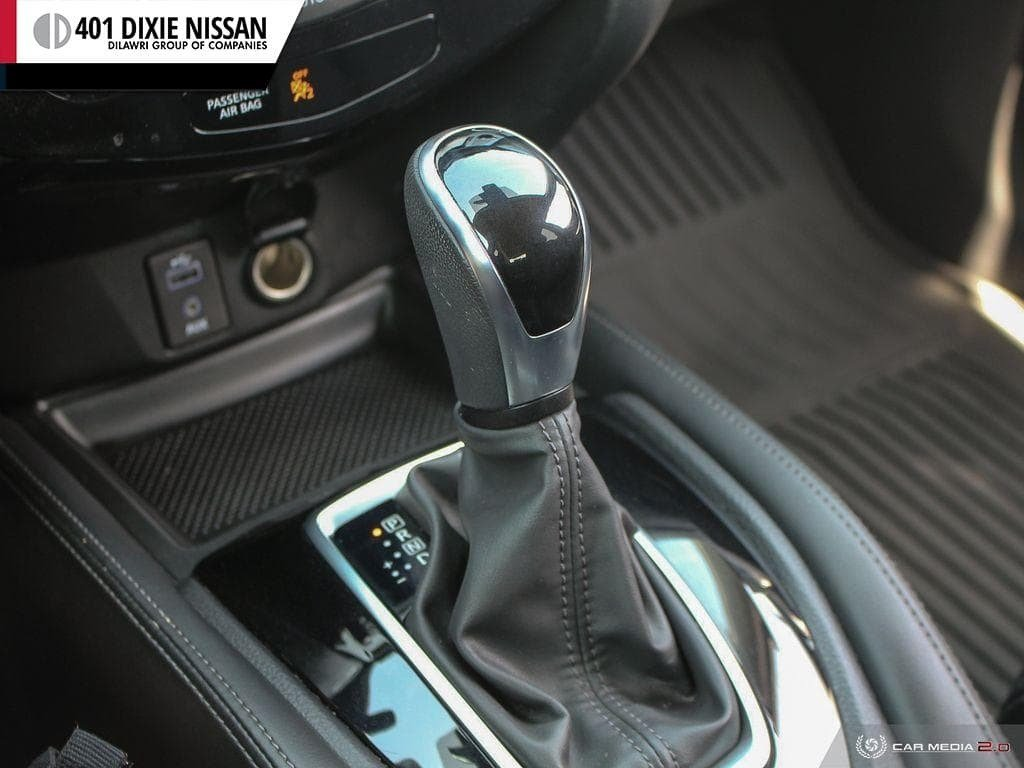 2017 Nissan Rogue SL Platinum AWD in Mississauga, Ontario - 18 - w1024h768px