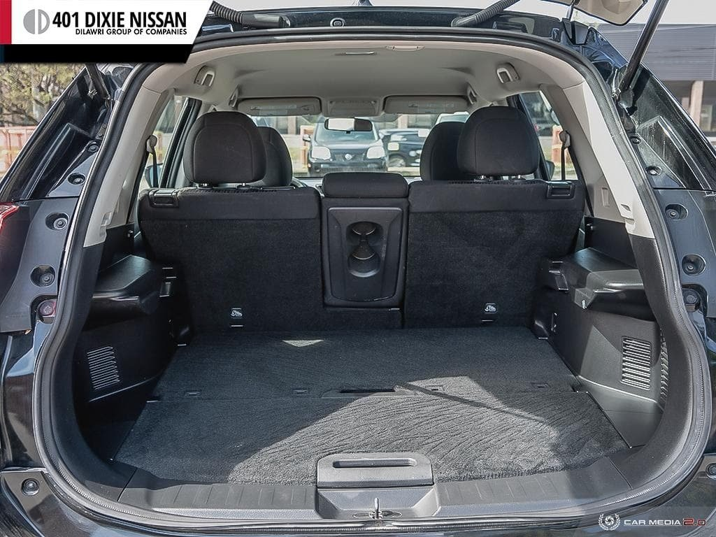 2017 Nissan Rogue S FWD CVT in Mississauga, Ontario - 11 - w1024h768px